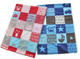 Decke in rot oder blau