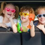 Kinderspiele im Auto